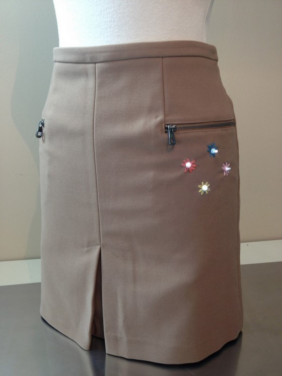 how_to_style_up_your_skirt_with_leds_560_22
