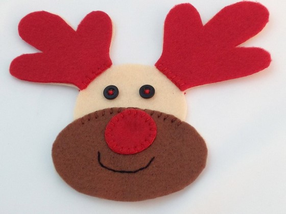 rudolph_interactive_light_up_christmas_decoration_560_11