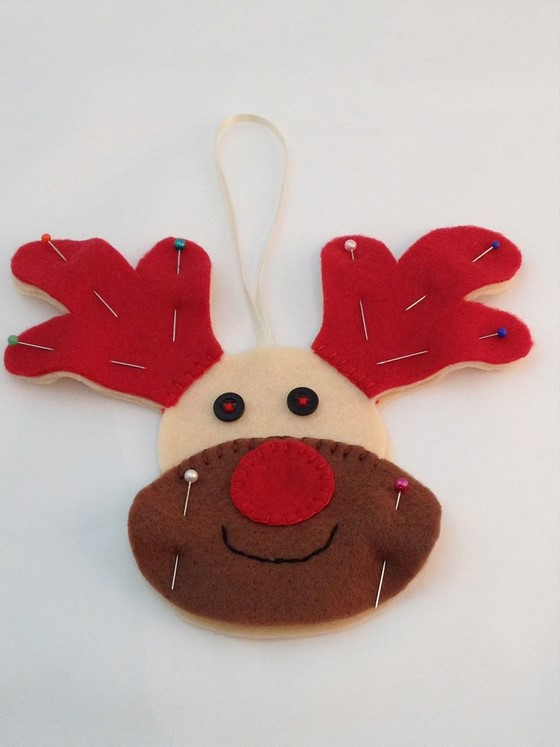 rudolph_interactive_light_up_christmas_decoration_560_17