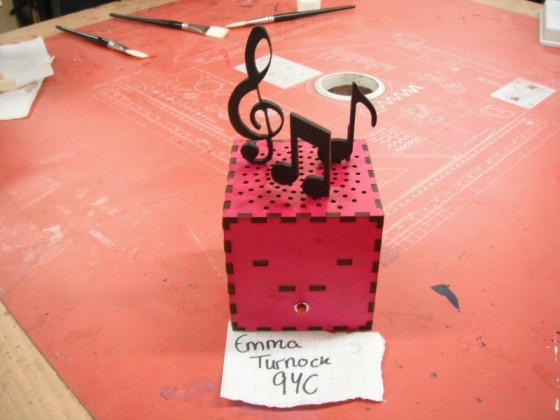 aroma_fan_meole_brace_26_music_box_emma_turnock
