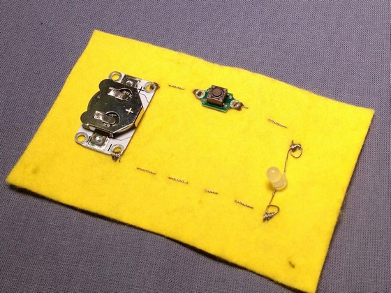 etextiles_adding_switches_to_a_circuit_560_02
