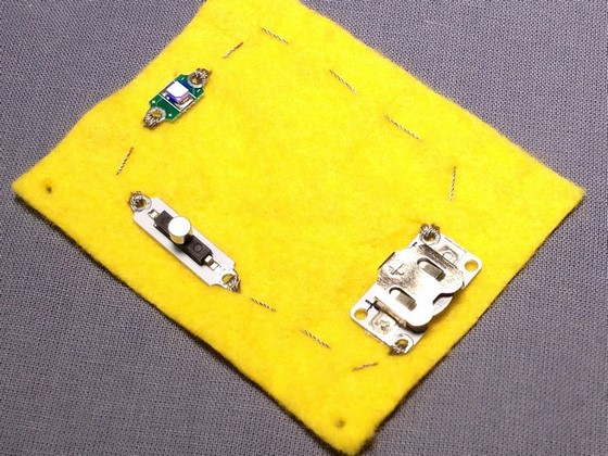etextiles_adding_switches_to_a_circuit_560_07