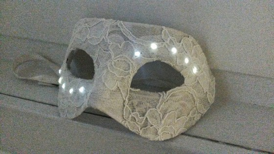 masquerade_mask_with_leds_560_19