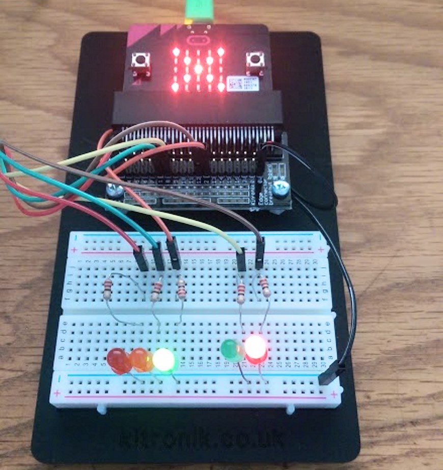 BBC micro:bit Pedestrian Crossing Project -prototyping-board-no-870