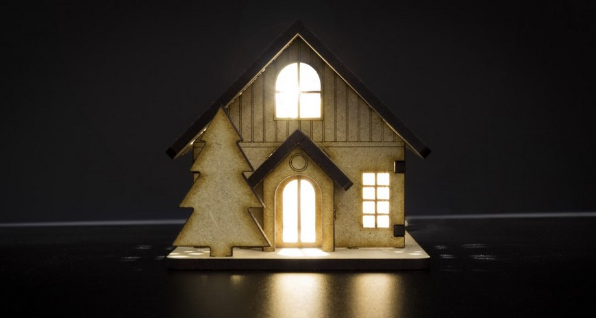 christmas-2016-project-ideas-laser-cut-house-front-870