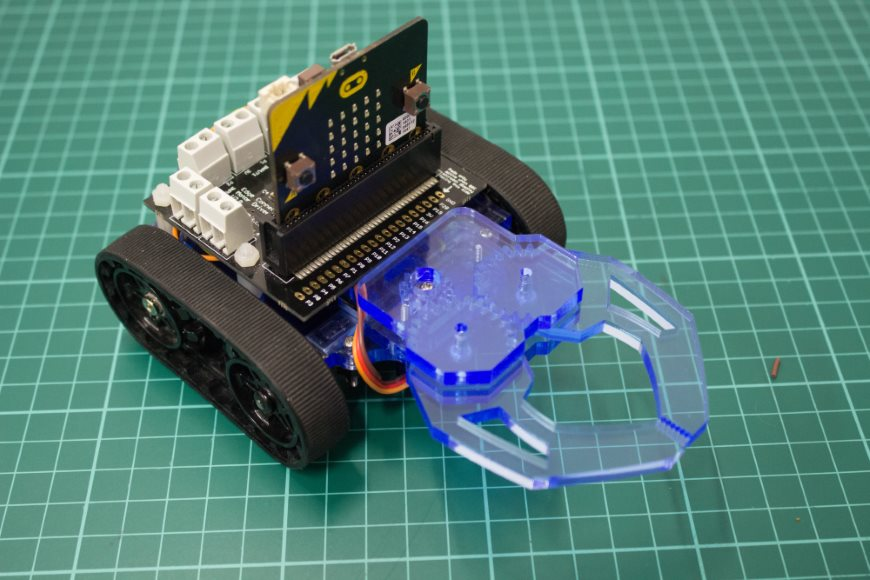 build-microbit-controlled-zumo-buggy-01_870