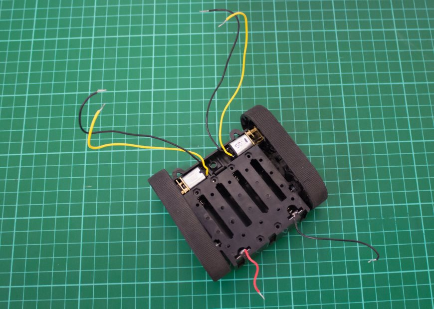 build-microbit-controlled-zumo-buggy-04_870