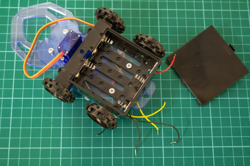build-microbit-controlled-zumo-buggy-11_870