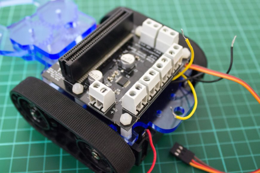 build-microbit-controlled-zumo-buggy-14_870