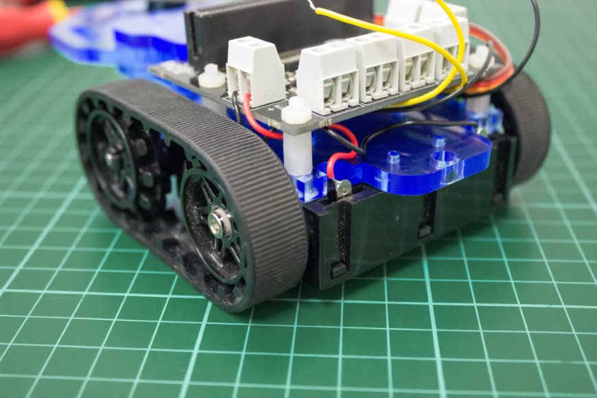 build-microbit-controlled-zumo-buggy-15_870