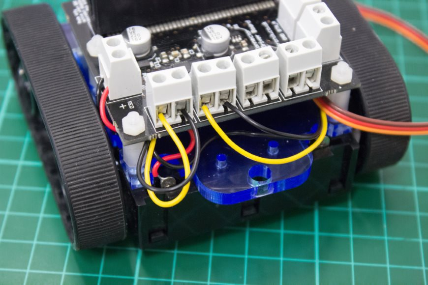 build-microbit-controlled-zumo-buggy-16_870