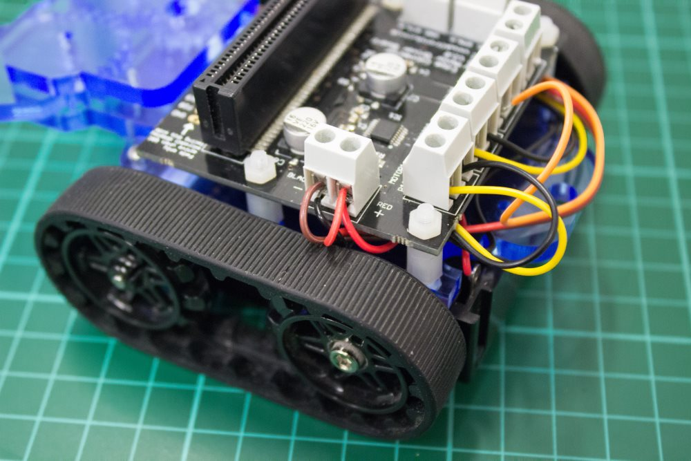build-microbit-controlled-zumo-buggy-20_1000