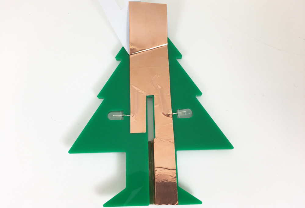 laser-cut-perspex-led-christmas-tape-copper-tape-circuit-part1-1000