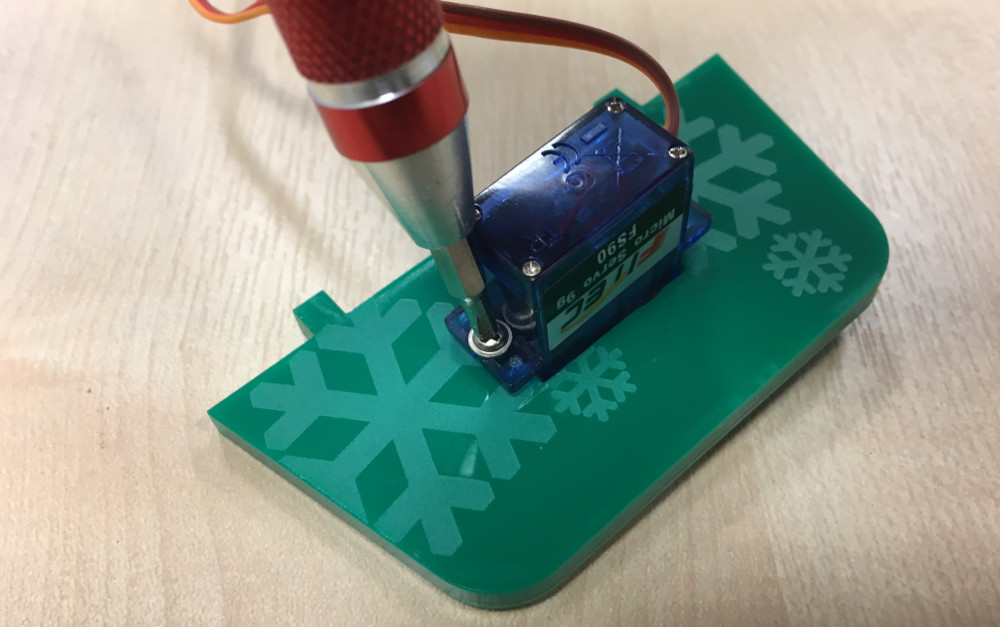 servo-microbit-controlled-christmas-bells-12-makes-of-christmas-12-1000