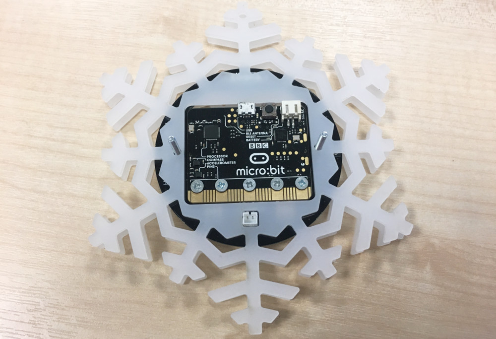 zip-halo-microbit-bauble-12-makes-of-christmas-back-1000