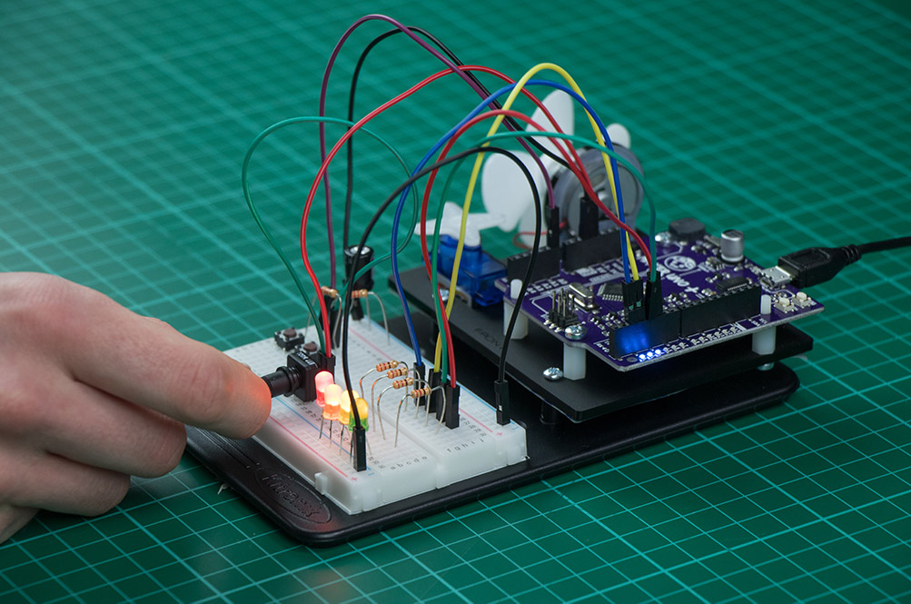 Arduino Inventors Kit Exp 9 Capacitor Charge Circuit
